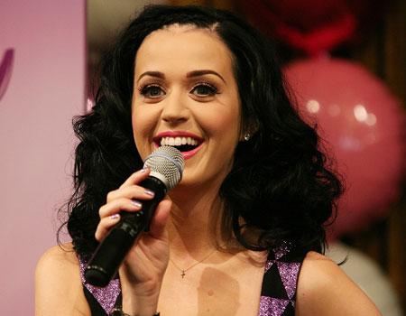 katy-singing